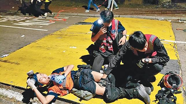 有義務急救員疑被射中大腿倒地。