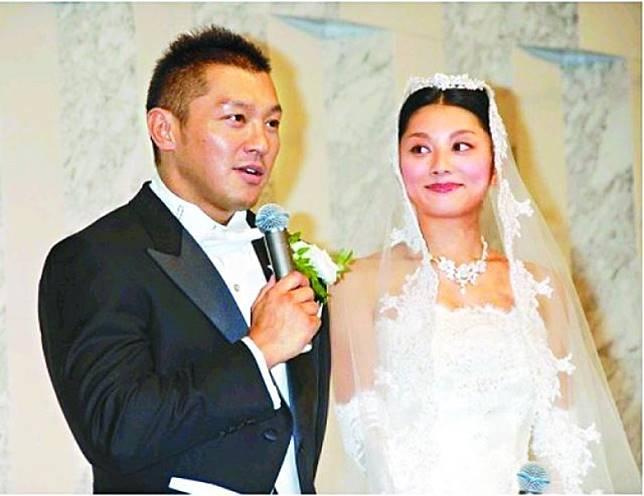 小池榮子自設事務所,由老公坂田亘任社長。