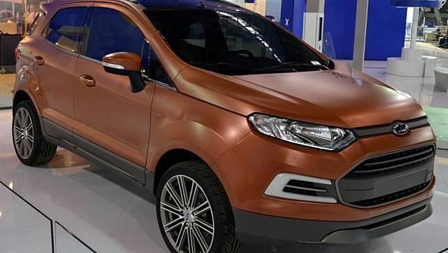 Ford EcoSport Beauty dengan warna tembaga