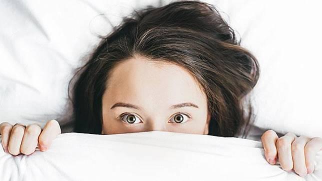 Ilustrasi mata wanita. Unsplash.com/Alexandra Gorn