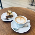 [S]フラットホワイト - 実際訪問したユーザーが直接撮影して投稿した西新宿コーヒー専門店PAUL BASSETT 新宿店の写真のメニュー情報