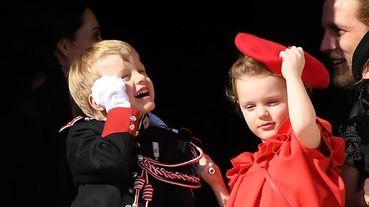 摩納哥皇室未來繼承人也想推出表情包?雅克王子國慶日露臉,可愛程度直逼英國皇室喬治王子、夏綠蒂公主