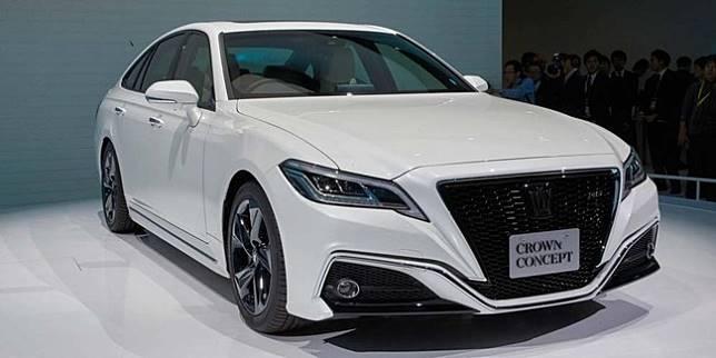 Toyota Crown (motor1.com)