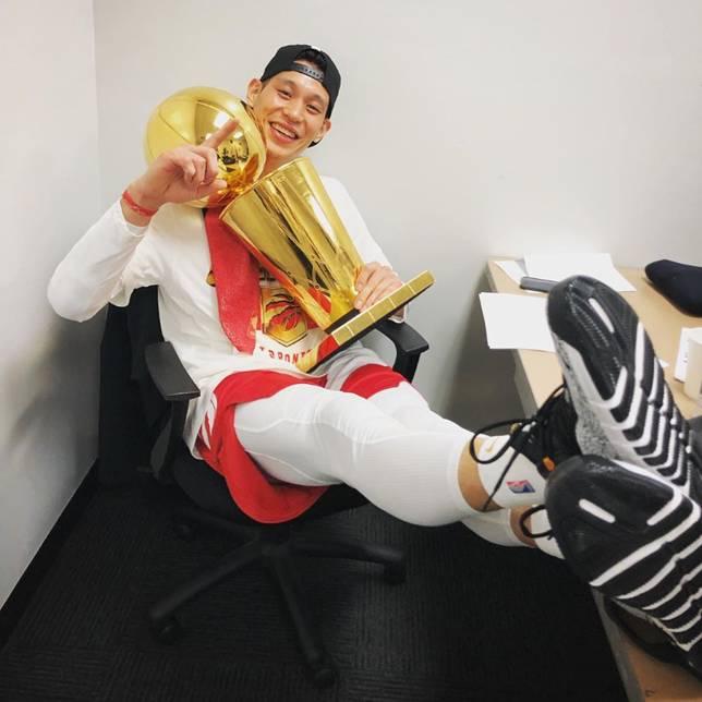 ▲林書豪隨暴龍生涯首度奪得NBA總冠軍。(圖/取自林書豪Instagram)