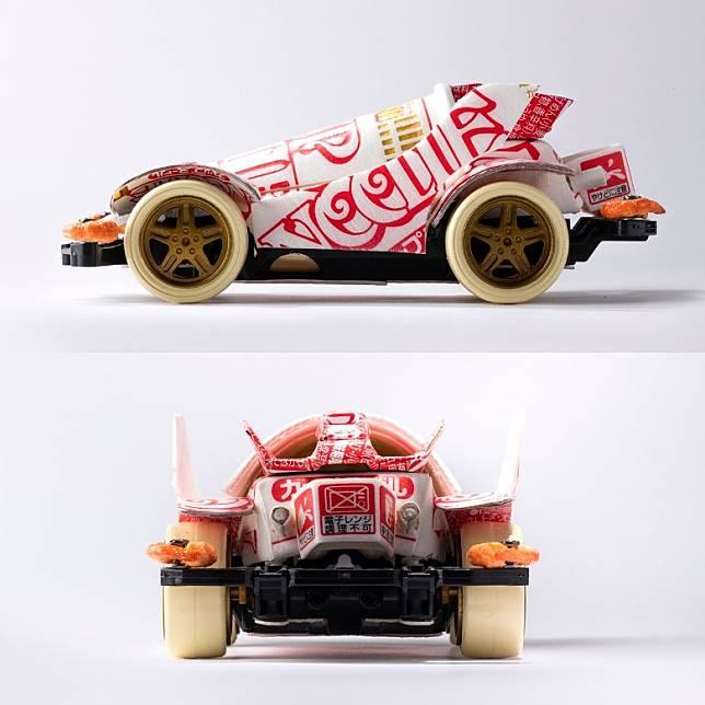 車身不經額外塗裝,但無論側面或後面的花紋圖案均十分到位,留意車身後方更貼有「電子微波爐調理不可」的字眼。(互聯網)