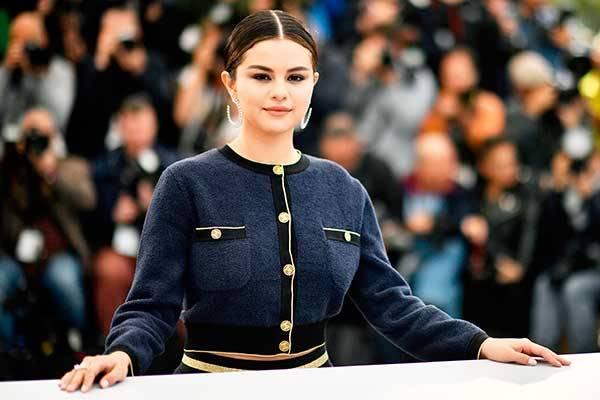 Aktris sekaligus penyanyi papan atas asal Amerika Serikat Selena Gomez.