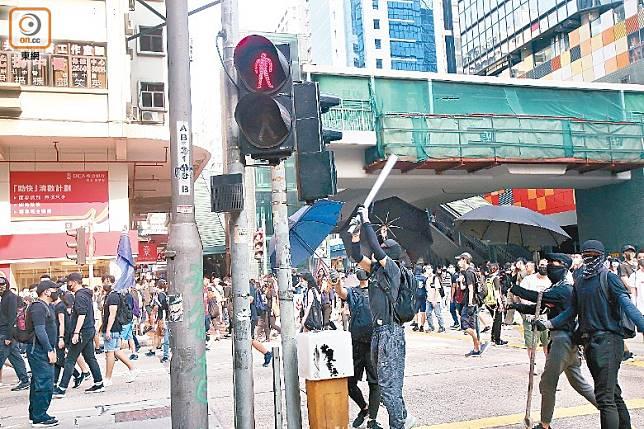 受破壞或干擾的交通燈主要在油尖旺區。