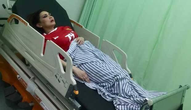 Kecelakaan Saat Pawai, Nia Daniaty Syok Rahangnya Menghantam Besi