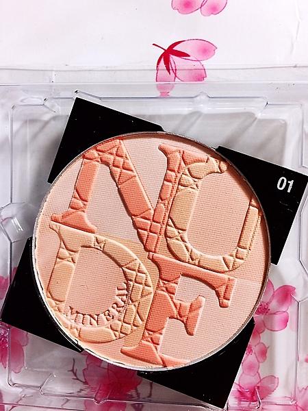迪奧 輕透光礦物蜜粉餅 (白盒或無盒)