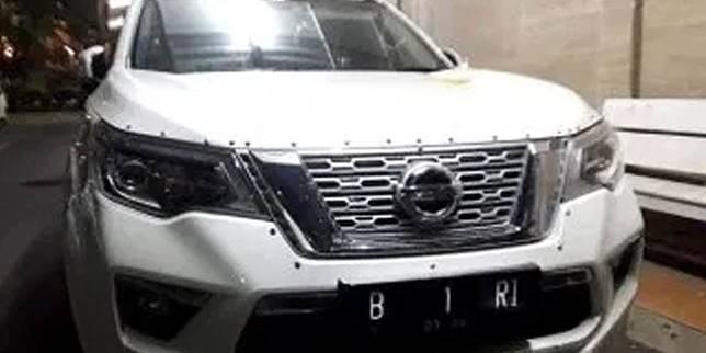 Nissan Terra B 1 RI (NTMC Polri)