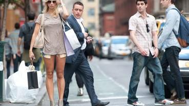 每次讓我驚嘆的精緻「街拍」怎麼拍的? 這位攝影師隨機捕捉紐約街頭的行人