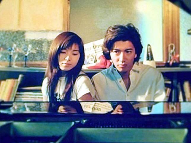 木村與山口智子合演《悠長期假》,多年來被奉為經典日劇。