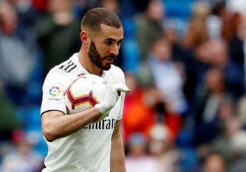 Benzema Diprediksi Tak Akan Dibuang Zidane dari Madrid