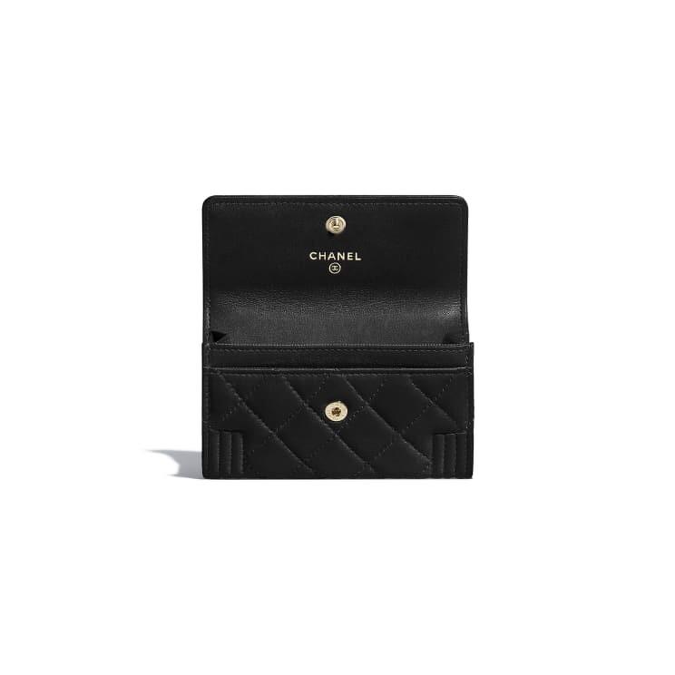Boy Chanel 口蓋卡片夾,NT18,200