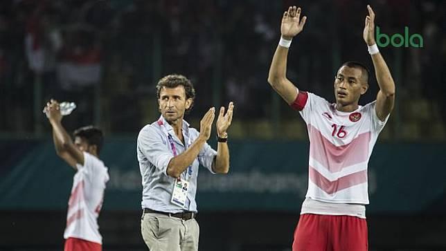 Sepak Bola : Indonesia Vs Laos