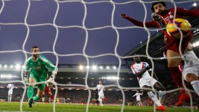 Salah tỏa sáng với cú đúp, Liverpool thắng nghẹt thở trước Crystal Palace