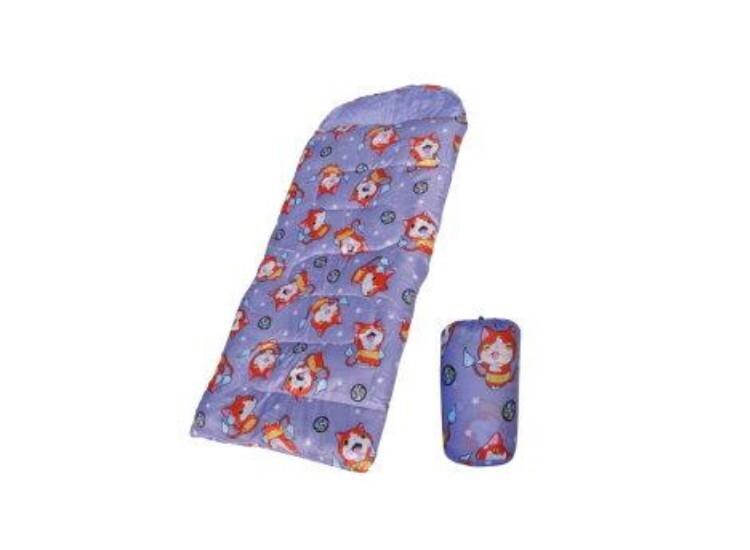 DJ-8009 妖怪手錶兒童睡袋-淡紫色 展開尺寸:長160x寬70cm 收納尺寸:長32x袋底ψ18cm 表布:妖怪手錶印花滌綸布 裡布:240T春亞紡布 填充物:100% HOLLOW 耐寒度:1