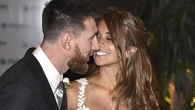 Lionel Messi dan Antonella Pamer Adegan Panas, Netizen Mau Muntah