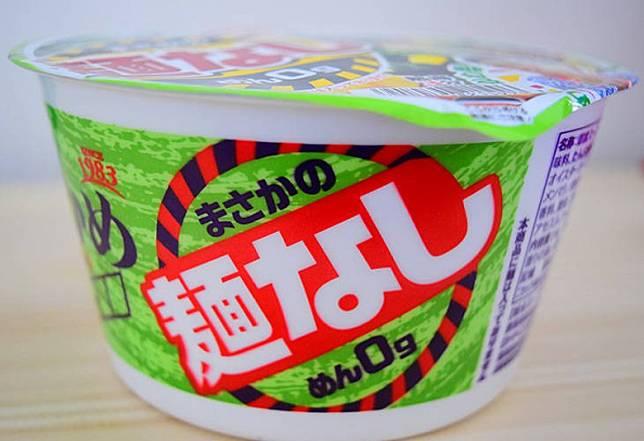 包裝大大隻字寫住「不含麵」,唔好攪錯。(互聯網)