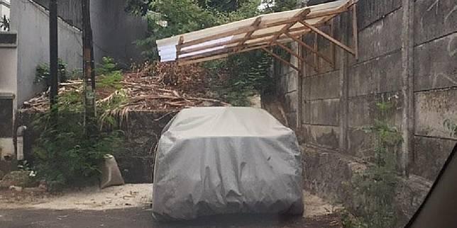 Garasi mobil di jalan (Instagram/@markirterus)