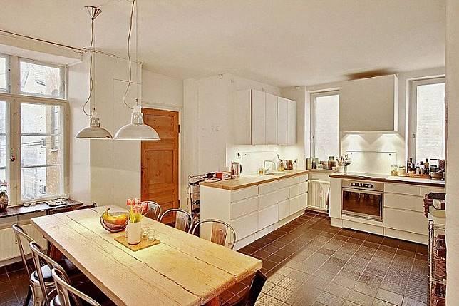 Desain Dapur Minimalis Bentuk L Bernuansa Tradisional