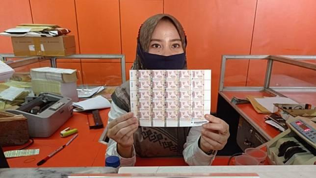 Hore Warga Padang Sudah Bisa Beli Materai Rp10 000 Di Kantor Pos Inews Id Line Today