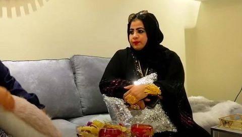 Viral Santriwati Nikahi Pria Arab Tajir & Dipaksa Habiskan Uang di Mal/ Foto: YouTube