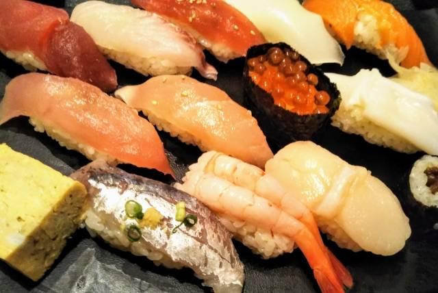 จัดอันดับหน้าซูชิตามแคลอรี่! เลือกทานซูชิแบบไหนดีไม่ให้อ้วน