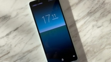 Sony Xperia 10 II 兼具防水與三鏡頭全方位拍照的手機 21:9螢幕提供極佳握感與可用螢幕畫面