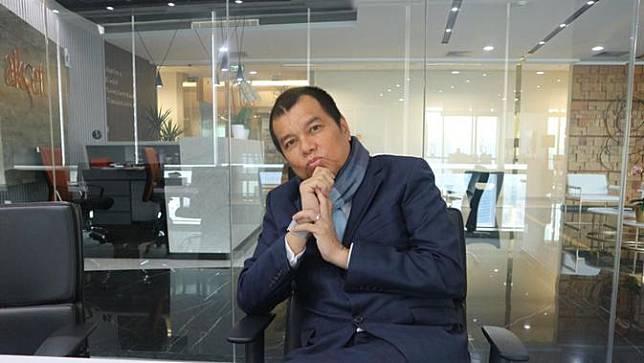 Sukses Sebagai Musisi Kadri Mohamad juga Masuk 100 Besar Lawyer Terbaik