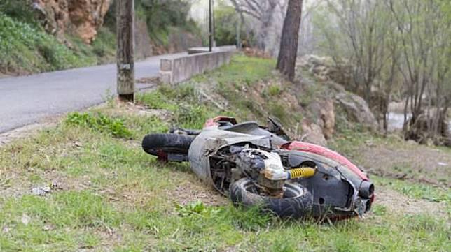 Ilustrasi kecelakaan sepeda motor (Shutterstock).