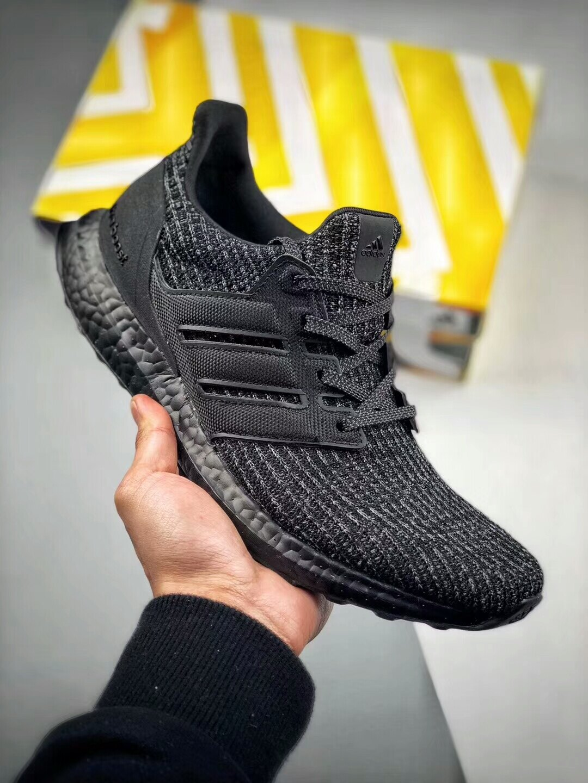 Adidas Ultra Boost UB 4.0休閒跑鞋 情侶款