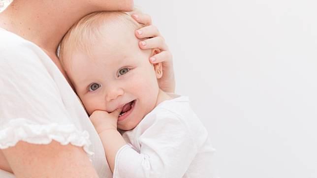 Ini Manfaat Cegukan bagi Tumbuh Kembang Bayi