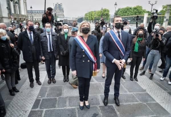 Prancis: Peringatan May Day Diwarnai Perkelahian