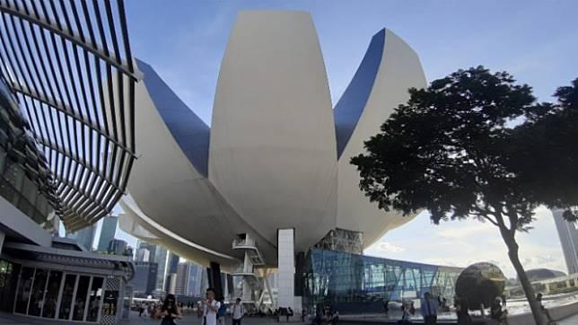Jalan-jalan ke Museum Masa Depan ArtScience di Singapura