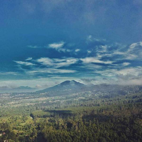 15 Destinasi Wisata Alam di Bandung Terbaru