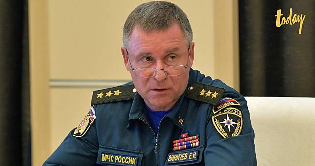 รัฐมนตรีรัสเซียเสียชีวิตหลังกระโดดหน้าผาพยายามช่วยช่างภาพพลัดตกทะเล