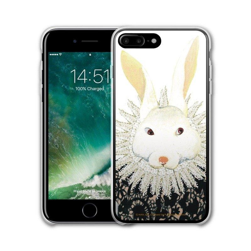 AppleWork 蘋果工場是一個大膽創新的設計團隊,採用最先進的科技為行動電話、平板電腦、筆記型電腦、音樂隨身聽、數位相機等電子產品打造與眾不同的周邊配件,透過來自全球各地的藝術家、設計師、品牌公司
