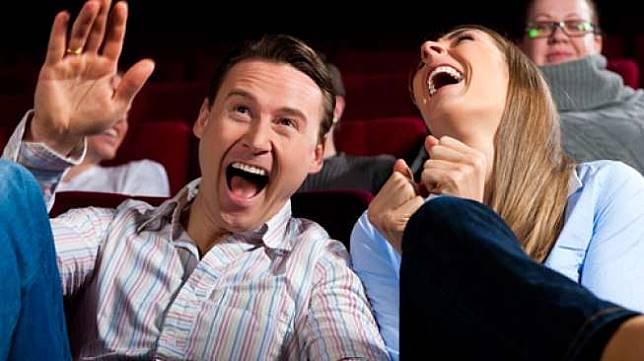 Ilustrasi satu pasangan yang sedang tertawa bersama (Shutterstock).