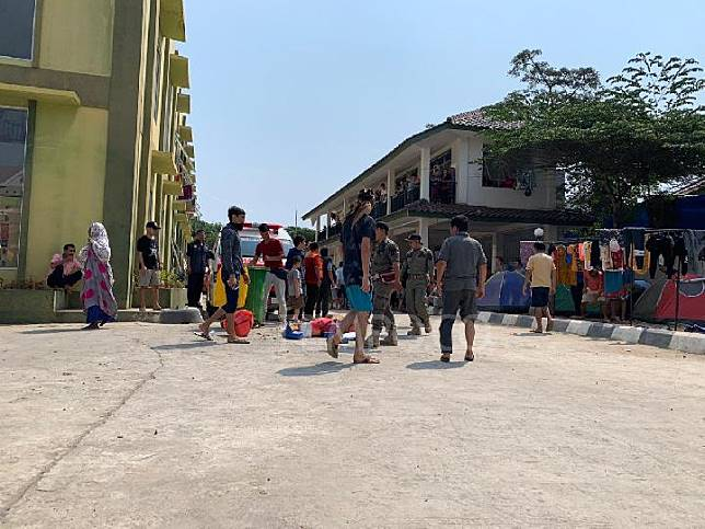 Asylum seekers from Africa and Afghanistan occupy former Komdim complex housing in Daan Mogot, Kalideres, West Jakarta, July 21, 2019. Tempo/Adam Prireza