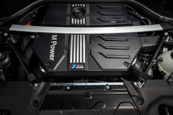 P90353654_highRes_the-all-new-bmw-x4-m.jpg