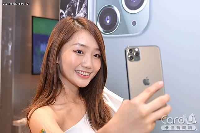蘋果iPhone價格動輒4、5萬元,帶動手機保險收入大幅成長310%,保費增至1348元(圖/卡優新聞網)