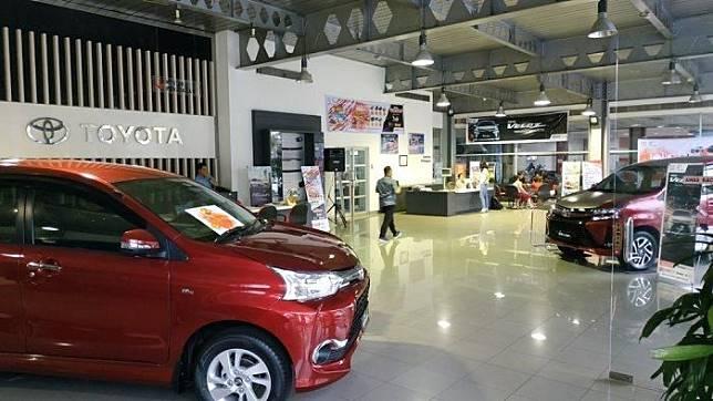 Suasana dealer Toyota Hasjrat Abadi Manado