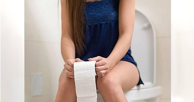 女孩如廁完勿來回擦拭 醫曝正確方法減少細菌惡臭
