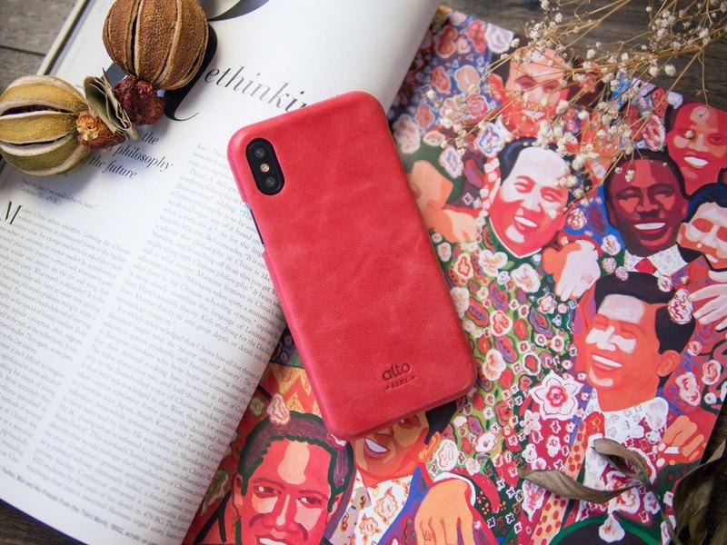 優雅經典的皮革手機殼,義大利頭層苯染皮革手工打造,輕薄包覆,支援無線充電,讓生活簡單美好。