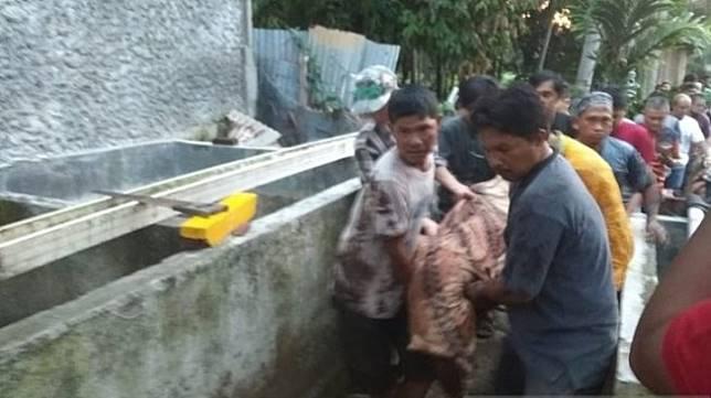Mahasiswi Universitas Bengkulu ditemukan tewas terkubur di belakang kamar kos, Minggu (8/12/2019). (Foto: Antara)