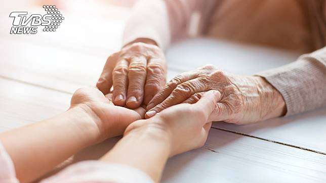 「養兒防老」的觀念在不少人的心中根深蒂固。示意圖/TVBS