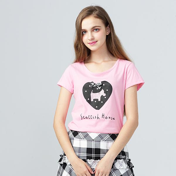 胸前點點愛心搭配立體格紋蝴蝶結 經典水鑽梗犬佇立於愛心中央 讓衣服整體感更加UP!