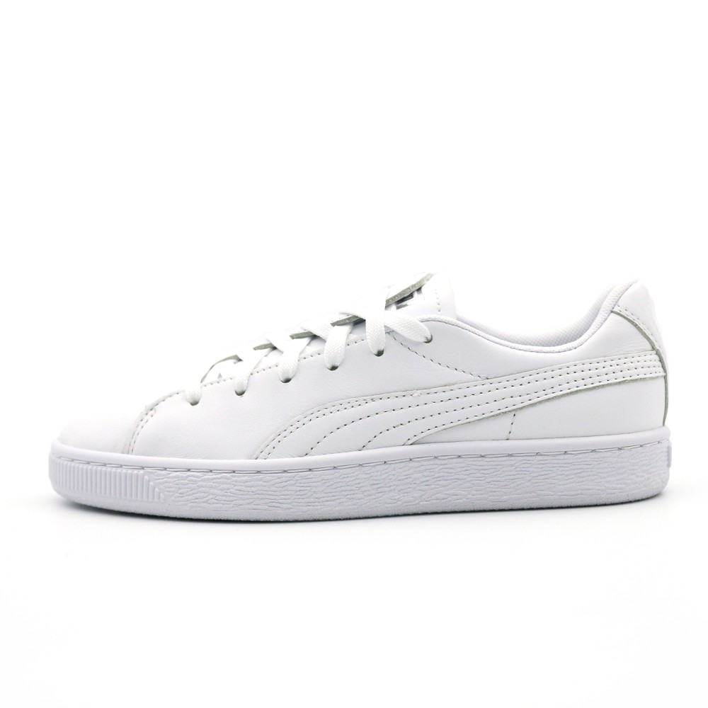 PUMA Basket Crush Emboss 女休閒鞋-36959501-白 謝欣穎代言 BASKET CRUSH 鞋款 勇敢展現「心」女力態度 皮質鞋面貼合腳型舒適好穿 #自由說愛 #PUMA