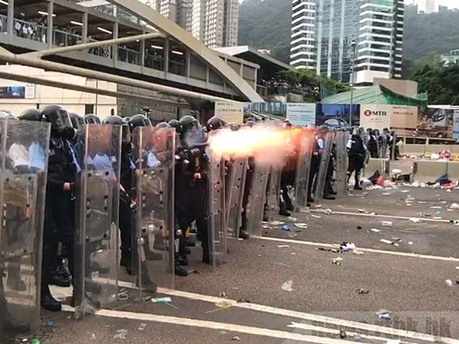 歐洲議會將辯論香港決議案,促停售「人群管制裝備」。(港台圖片)